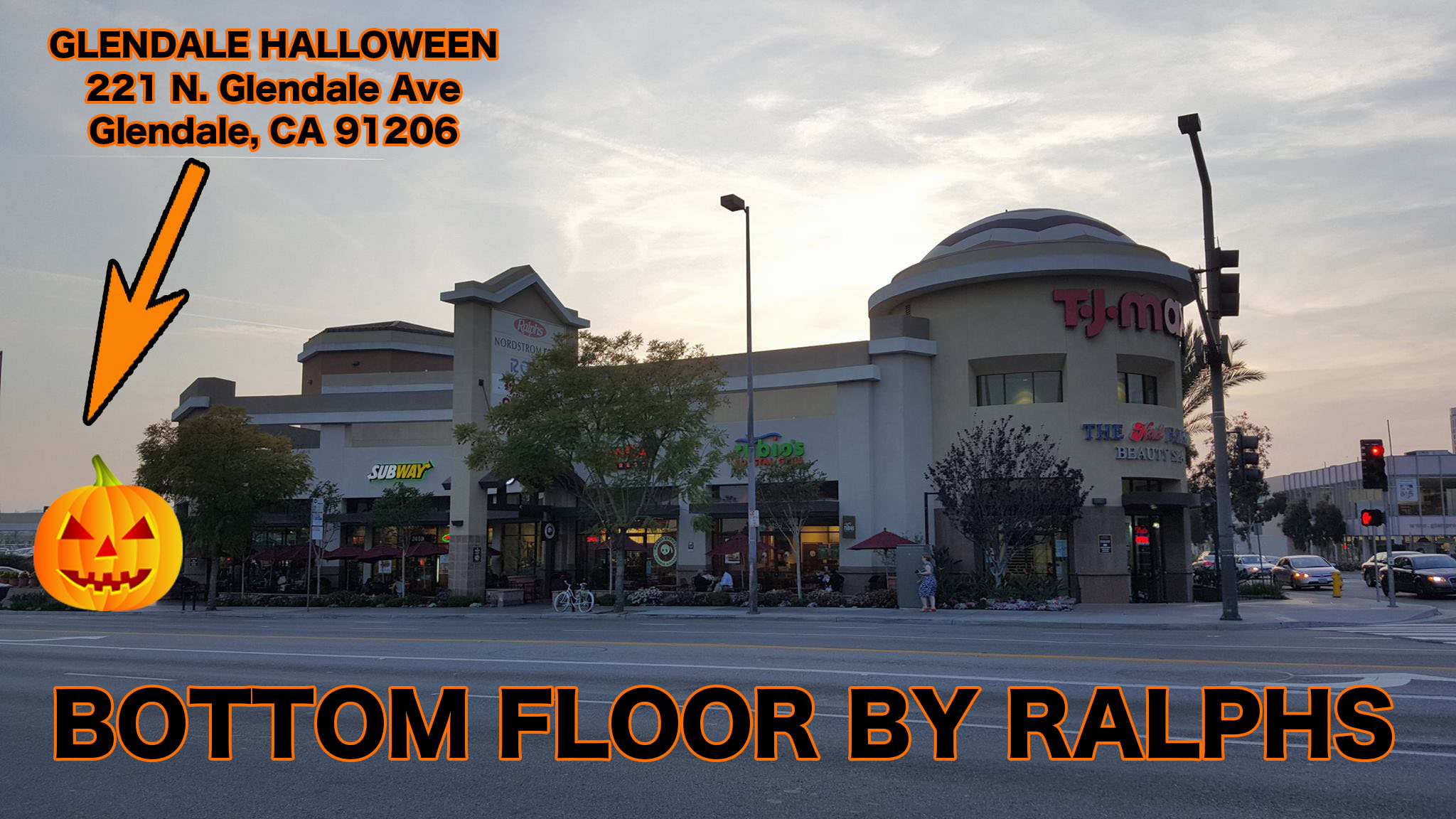 Halloween-Store-Glendale-Fashion-Center-Glendale-Ave
