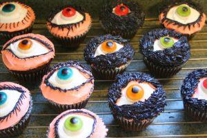 Halloween Cupcakes Cup cakes desserts eyeballs